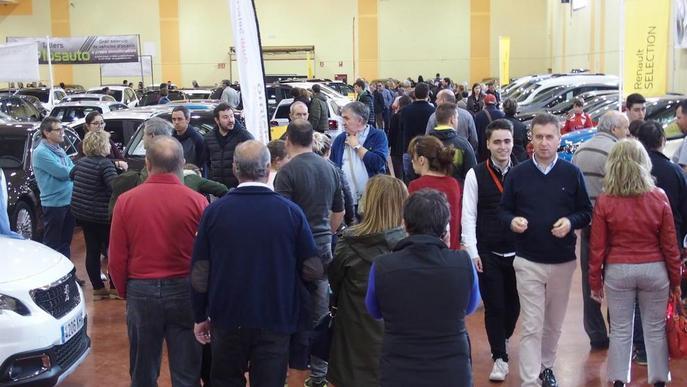 Fins a trenta-set expositors de cotxes i maquinària a Autotrac de Mollerussa