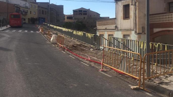 Juncosa aixeca la travessia per remodelar l'entrada al poble