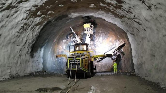 Perforada ja la meitat del túnel de Tres Ponts a la C-14