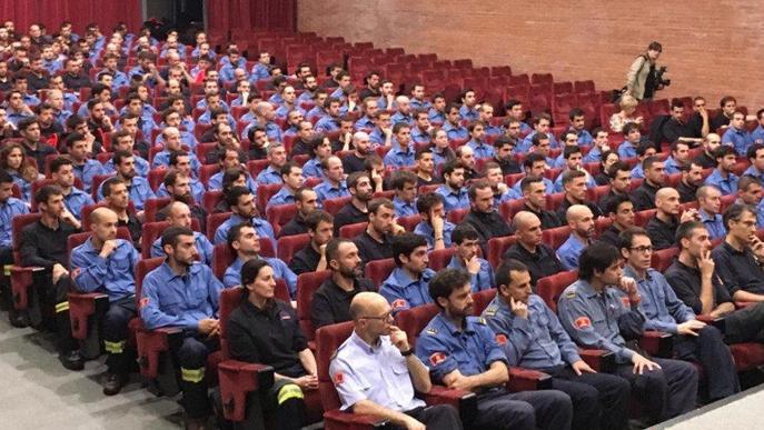 Interior i sindicats de Bombers segellen l'acord laboral fins al 2022