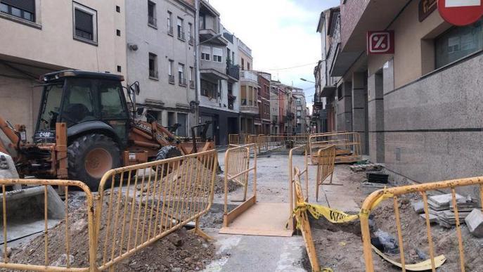 Obres per semivianalitzar el carrer Anselm Clavé de Juneda