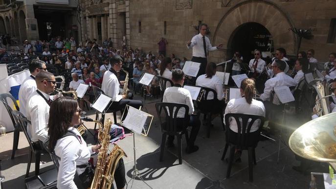 Música de Rússia, Colòmbia i Tenerife en el Fem Banda