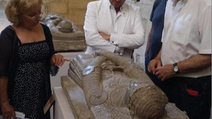 Un descendent dels Montcada visita Avinganya, el Museu de Lleida i el Turó