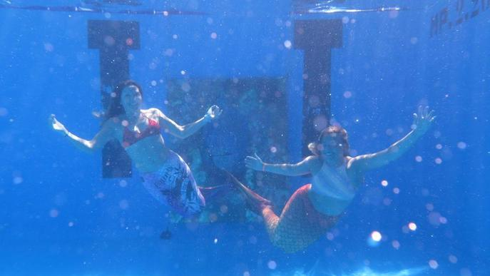 Art i sirenes a les piscines