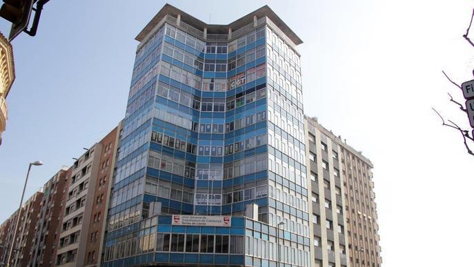 La UGT deixa buit l'edifici dels sindicats