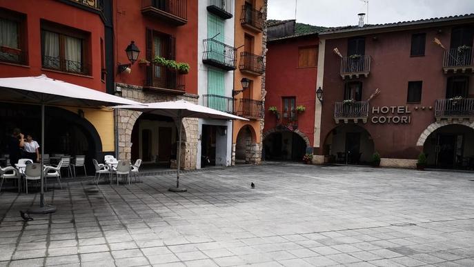 El Pont finalitza les obres de la plaça Mercadal