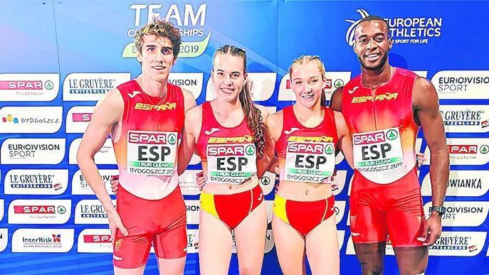 Bernat Erta bat el rècord d'Espanya amb l'equip de 4x400