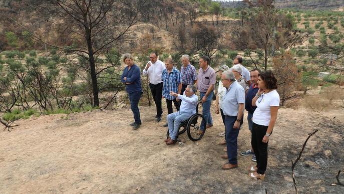 Creixen les crítiques pels ajuts del gran incendi