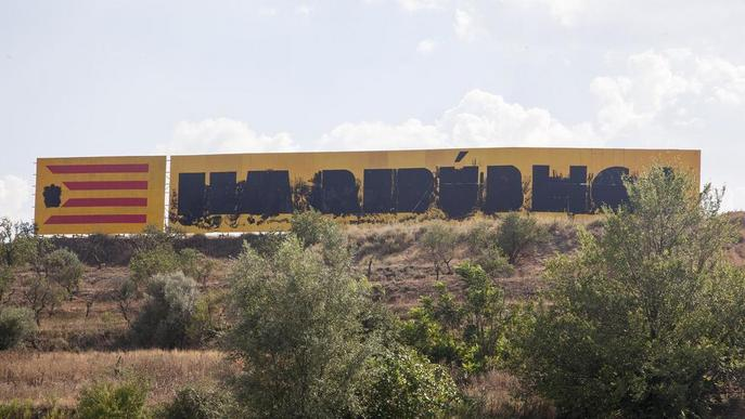 Desconeguts danyen per segon cop el gran mural independentista de Bellpuig