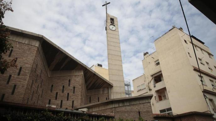 Nou conflicte per les cigonyes al ser retirat un niu d'una església