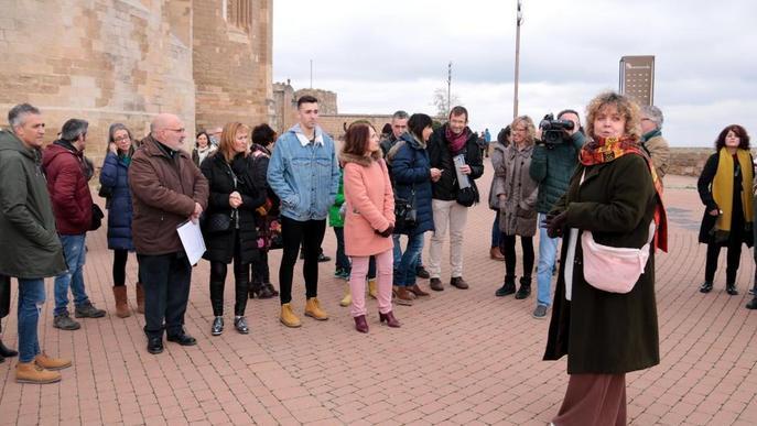 Els carrers de Lleida, al ritme dels versos de la poeta Dolors Miquel