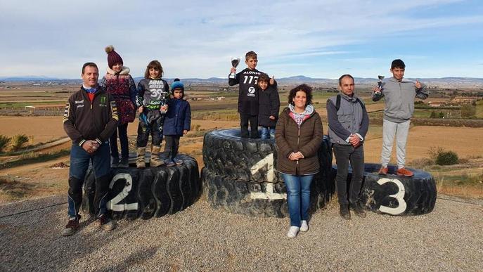 Més de 50 pilots participen en el Provincial de Motocròs d'Almacelles