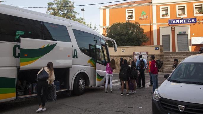 Fins a sis incidències al mes a les línies de tren de Lleida a Barcelona