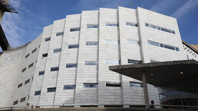 Acusat d'estafar 50.000 euros a un germà que va perdre la memòria