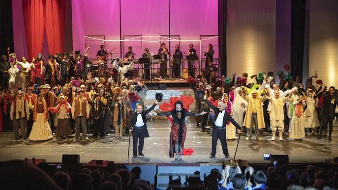 La història de Cervera, vista per 150 actors i músics locals