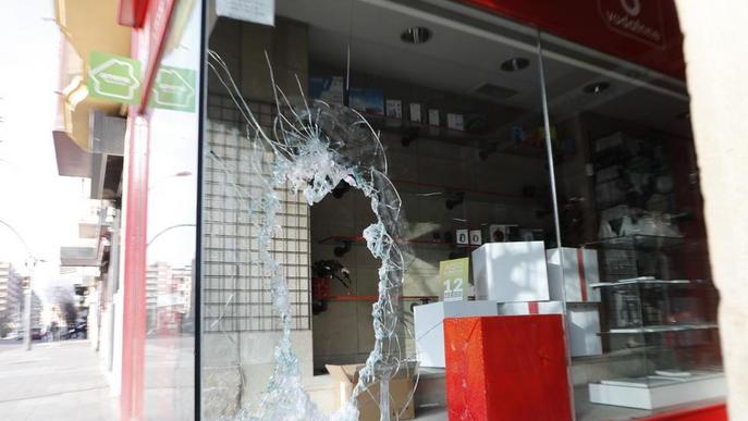 Detinguts per robar en una botiga de telefonia a l'avinguda Balmes