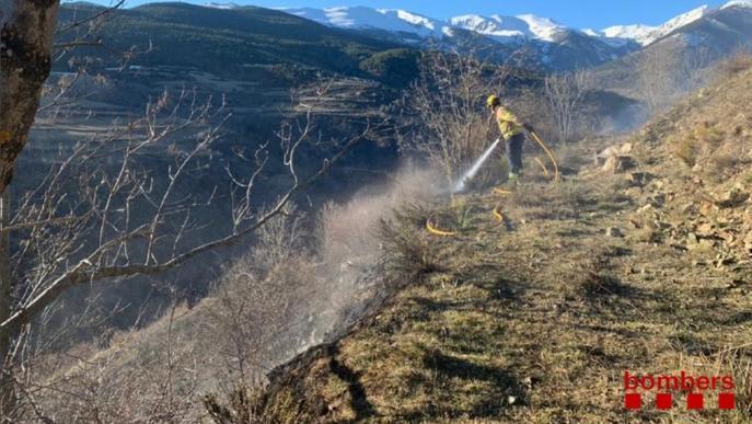 Un foc forestal crema una hectàrea a Bellver