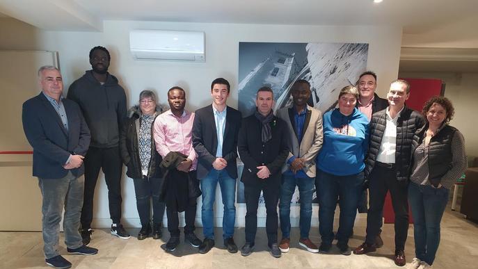 Clubs ajuden a recollir roba esportiva per al Senegal