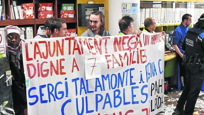 Conflicte entre la Paeria i la PAH, que ocupa dos oficines