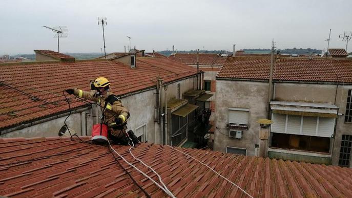 Focs a Montferrer i Bellcaire i revisen una xemeneia a Balaguer