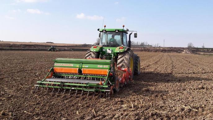 """Els tallers, amb serveis mínims """"residuals"""" per atendre pagesos"""