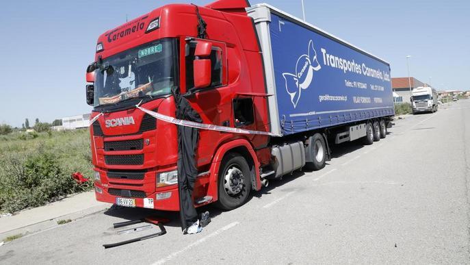 Greu un camioner a l'explotar-li una bombona a Torrefarrera