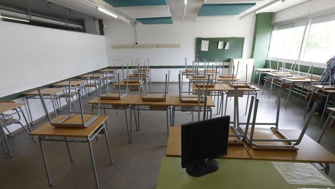 Arxiu Aules buides Institut Maria Rúbies escola col·legi classe
