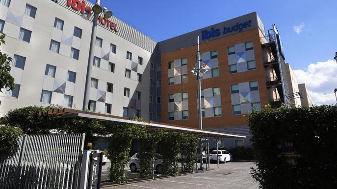 La Paeria pagarà uns dies més els hotels als 80 sensesostre al no cabre als pavellons