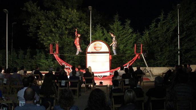 Circ i acrobàcies obren el 'Públic!' a Altet