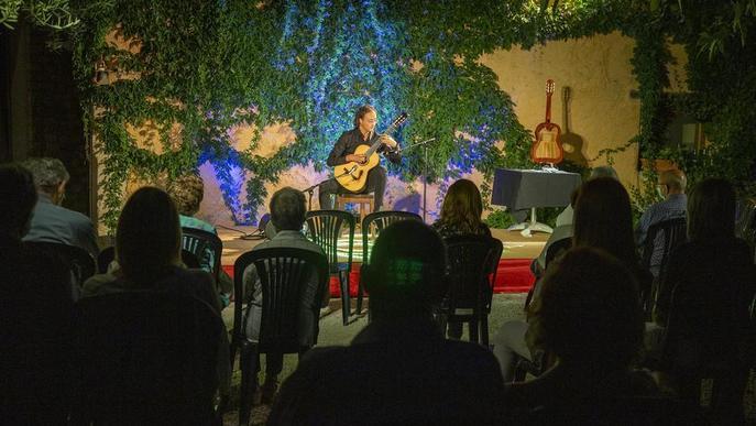 El guitarrista lleidatà Miquel Hortigüela obre els concerts a Cal Prim de Verdú