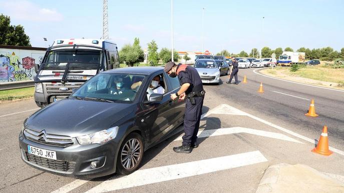 Els Mossos mantenen els controls en vint-i-cinc punts d'accés al Segrià