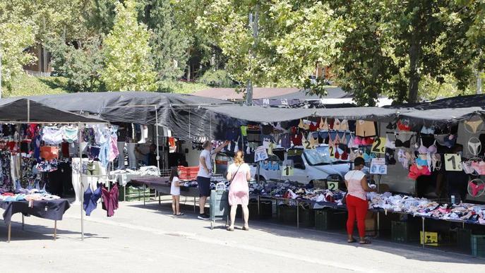 La patronal Pimec demana poder obrir les botigues sense restricció d'aforament