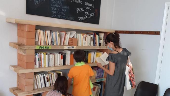 Espai d'intercanvi de llibres a Preixana