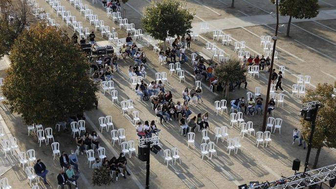 """Festa """"segura"""" a la UdL per als nous alumnes i crítiques a les novatades"""
