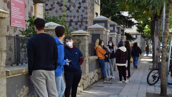 Les Borges tanca parcs i equipaments al pujar els casos