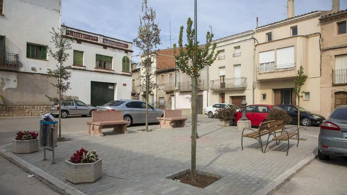 Acaben la millora de la plaça Major de Tornabous