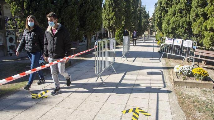 Cementeri Lleida senyalitzat. Arxiu