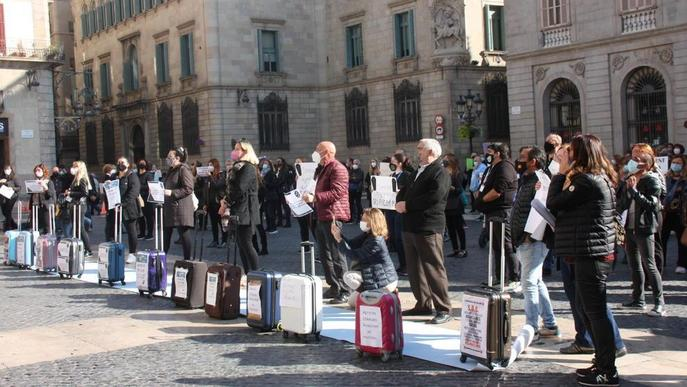 ⏯️ Marxa d'uns 150 vehicles per mostrar la indignació empresarial a Lleida