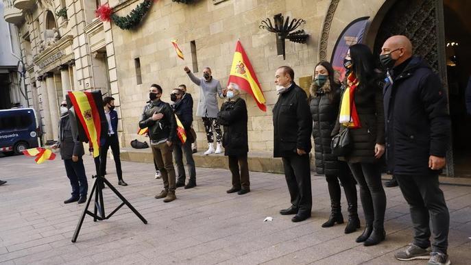 ⏯️ Un 'exèrcit' de mossos impedeix que els CDR i Vox s'enfrontin a Lleida