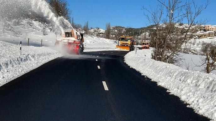 Problemes en carreteres pel gel i el tren de la costa, encara en l'aire