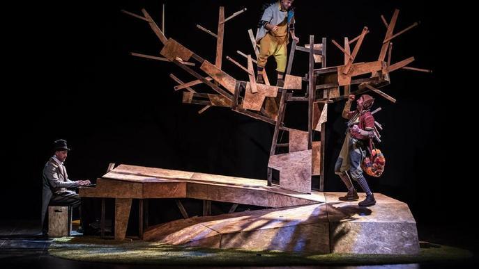 La Baldufa estrena avui a Lleida 'La faula de l'esquirol'
