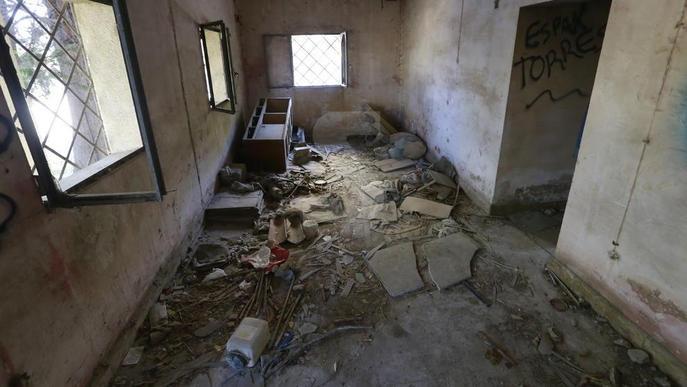Vandalisme i okupes en un immoble del departament d'Agricultura a Pardinyes