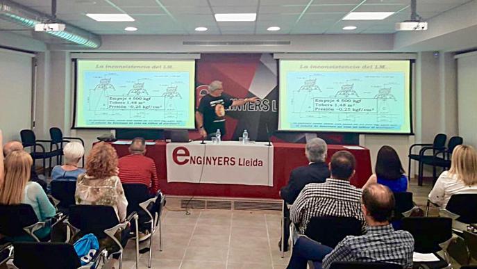 """Enginyers Lleida acull la xerrada """"La conspiració lunar o ¿es pot fingir una al·lucinada?"""""""