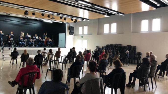 Comiat de Cobles a la Fresca, després d'un mes ple de música i sardanes adaptades a la Covid19