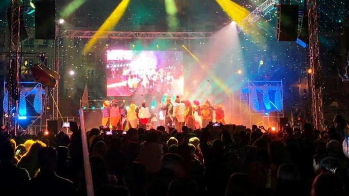 El Carnestoltes del Congre inunda Balaguer de colors, música i gresca