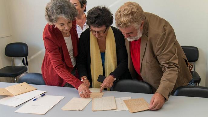La Càtedra Màrius Torres rep noves cartes i autògrafs del poeta