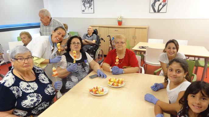 Taller de cuina saludable amb infants dels Salesians a la Residència i Centre de Dia Balàfia i Balàfia 2