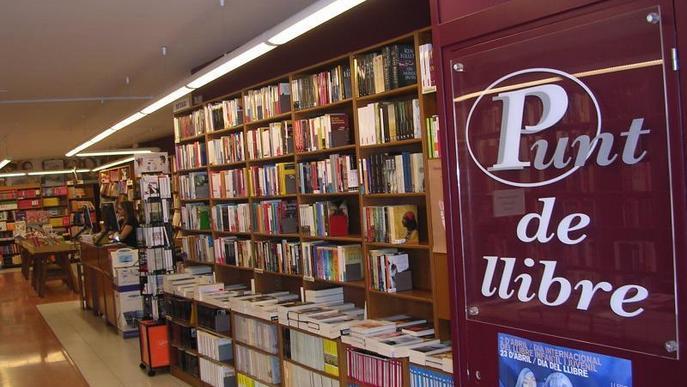 Tanca després de 34 anys la històrica llibreria Punt de Llibre