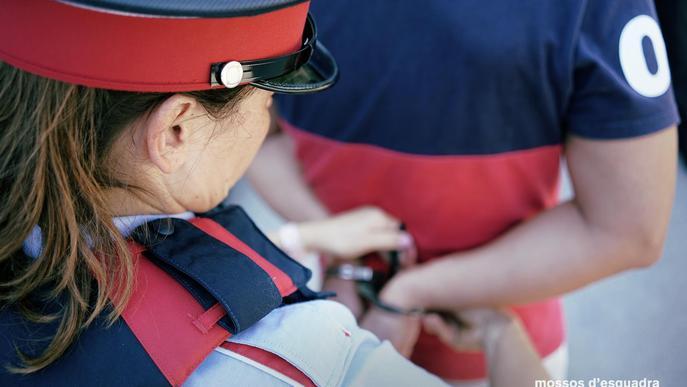 Detinguts dos veïns de Bellvís per un robatori amb violència al Pla d'Urgell