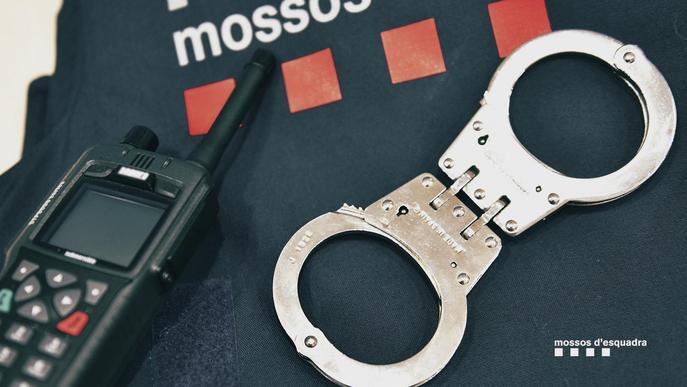 Detinguts dos homes i una dona per dos robatoris amb força, un d'ells en grau de temptativa a Cappont